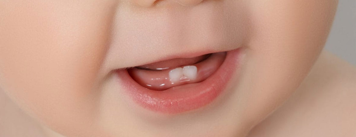 teething-your-babys-first-teeth